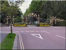 TQ2882 : Chester Gate, Regent's Park by David Dixon