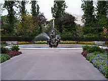 TQ2882 : Regent's Park, Queen Mary's Garden by David Dixon