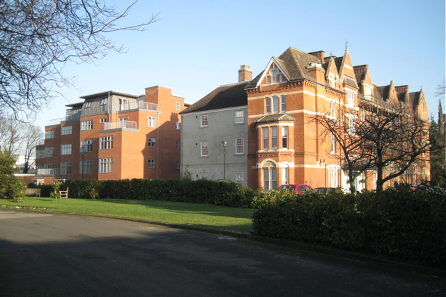 The Manor House flats, Avenue Road