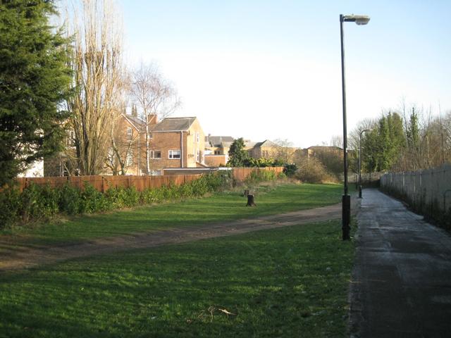 No-man's-land, rear of Avenue Road