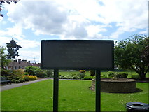 TQ2770 : Notice at the entrance to the Garden of Remembrance, Colliers Wood Recreation Ground by Marathon