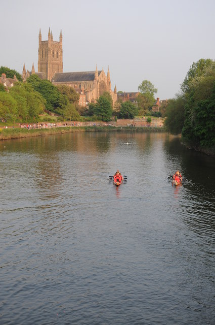 Dragon boats and Worcester Cathedral