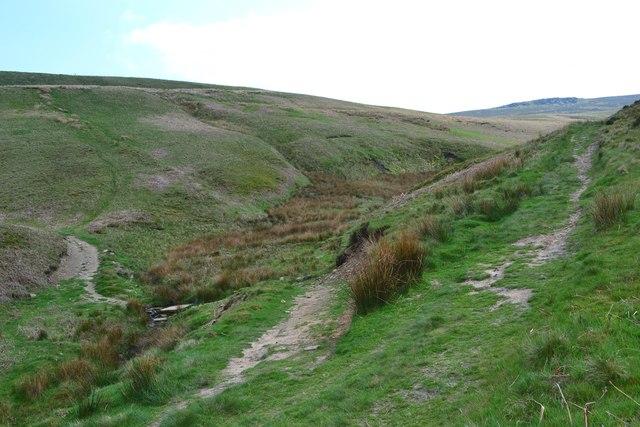 Paths meeting in Sheepfold Clough