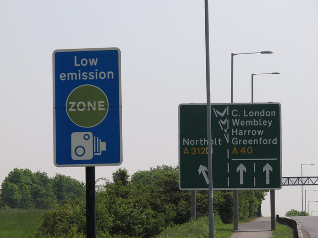 Low Emission Zone reminder road sign at Northolt