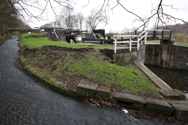 Field 3 Rise Lock, Leeds-Liverpool Canal, Esholt