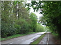 SP9312 : Station Road, Tring by Malc McDonald