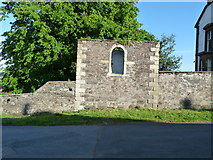NX4355 : Old Ruin on Bank Street by Billy McCrorie