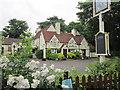 TQ0074 : The George Inn, Wraysbury by Ian S