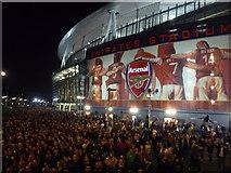 TQ3185 : Highbury: crowds leave the Emirates Stadium by Chris Downer