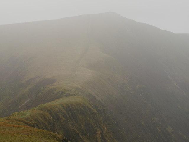 Misty ridge of Tal y Mignedd