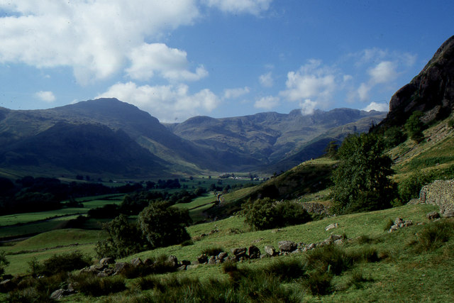 View up Great Langdale and Oxendale, from the shoulder of the Langdale Pikes