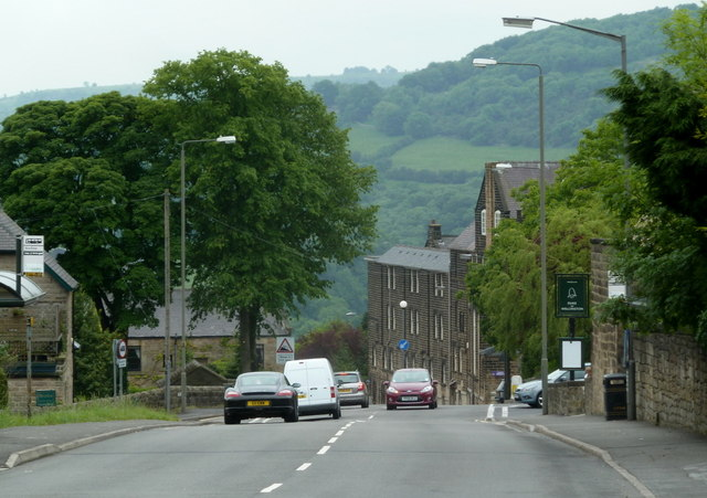 Chesterfield Road descending into Matlock
