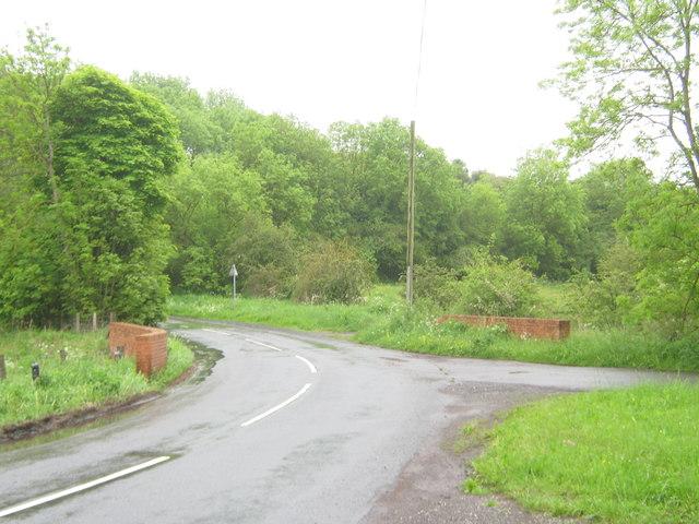 Parapets for road bridge over Kelloe Beck