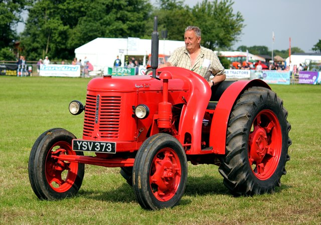 Vintage Tractor at the Cheshire Show