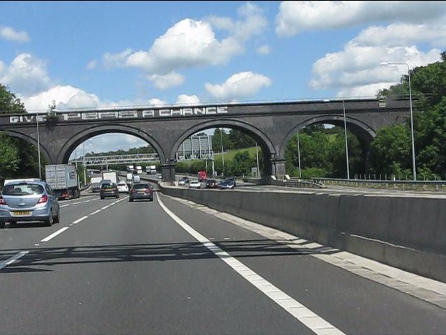 M25 motorway - GC/GW joint railway line bridge