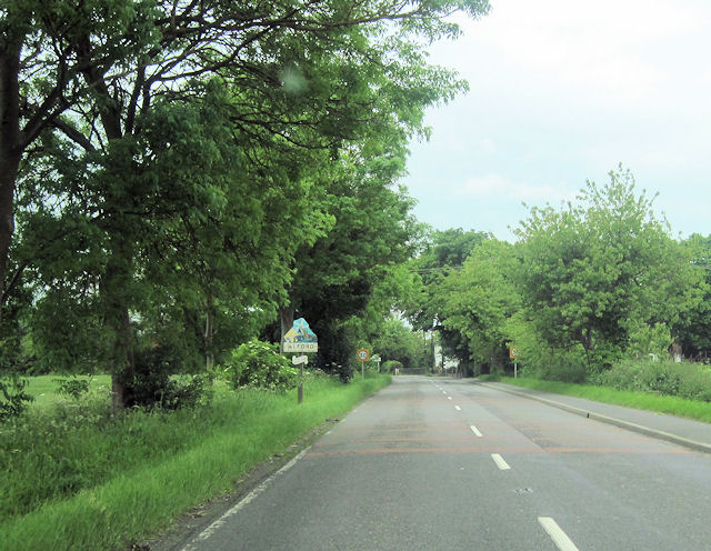 A1111 entering Alford from Bilsby