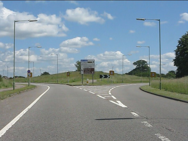 New triangular road junction, Leavesden Green