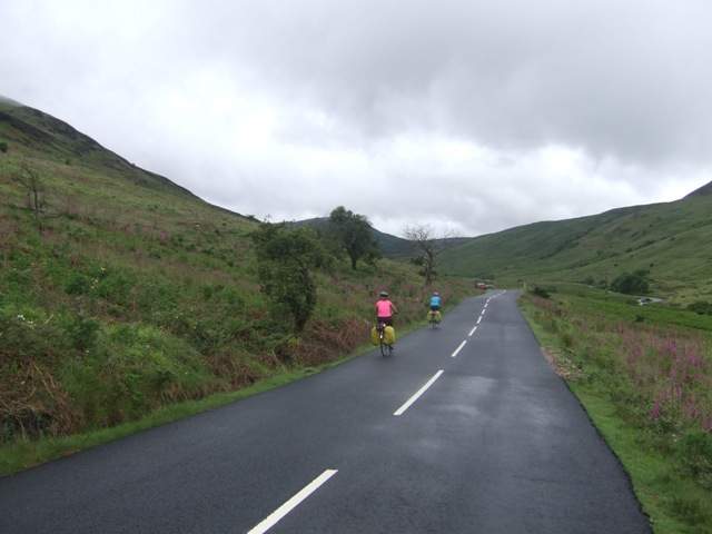 Cyclists on the Glen Sannox Road