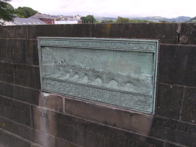 Plaque  commemorating Carmarthen Bridge