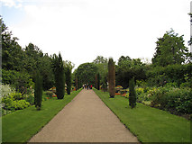 TQ2882 : Regents Park: The Avenue by Stephen Craven