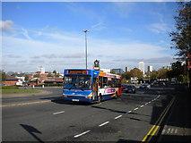 SP3378 : Warwick bus on Warwick Road by Richard Vince