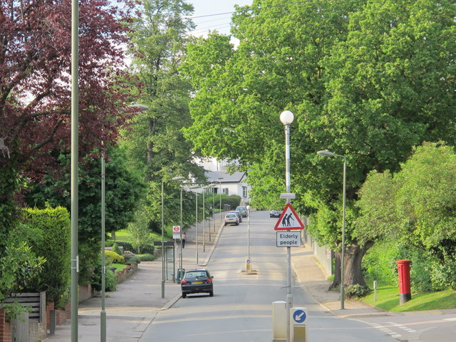 Hammers Lane, NW7 (6)