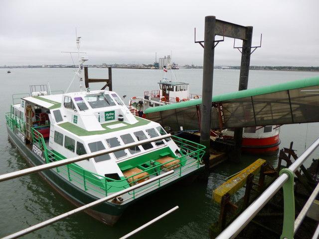 Hythe, ferries