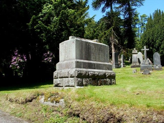 The Kinipple family memorial