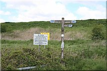 SJ4977 : Signpost at junction of Lordship and Hare's Lane by Dave Dunford