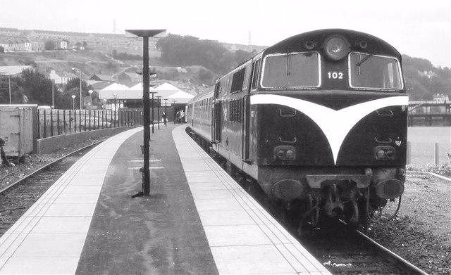 Loco-hauled train, Londonderry