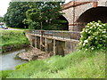 ST5575 : Combined sluice and footbridge, River Trym, Sea Mills, Bristol by Jaggery