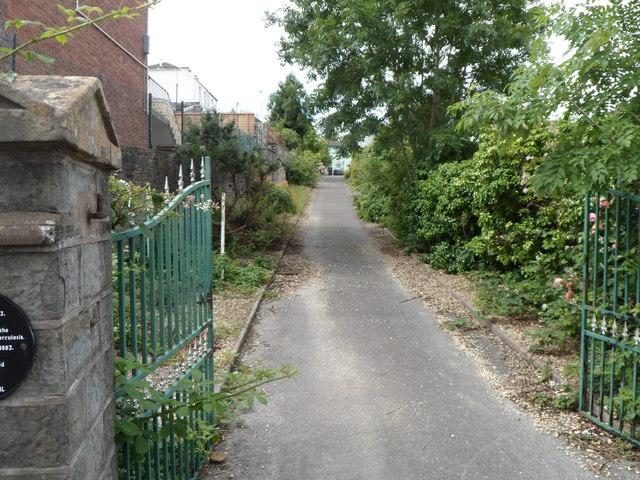 Entrance drive to Glyn Taff House, Troedyrhiw by Jaggery