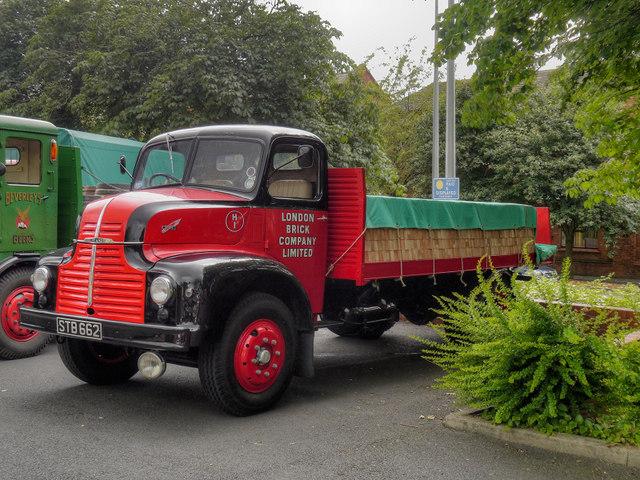 Leyland Comet 90