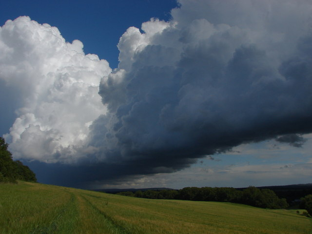 Storm clouds © Alan Hunt cc-by-sa/2.0 :: Geograph Britain ...