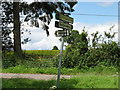 SU3358 : A junction sign in Hampshire by David Purchase