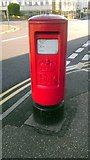 TV6199 : K Post Box in Seaside Road Eastbourne by PAUL FARMER