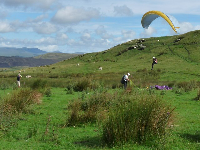 Paragliding tuition on Gelligaer Common (2)
