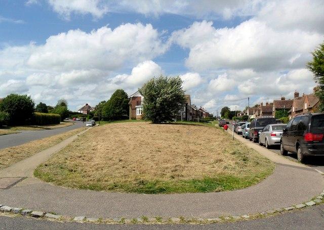 Moor Road splits, Westfield, East Sussex