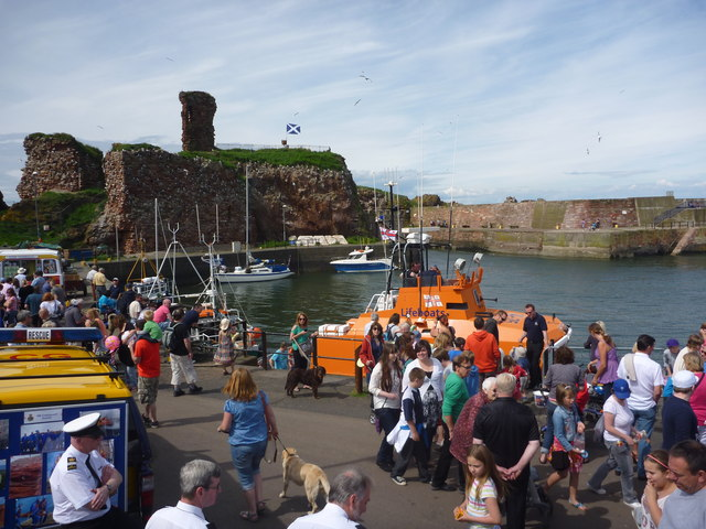 Dunbar Lifeboat Day - 21st July 2012 : Watch Out! There's A Dalek In The Lifeboat!