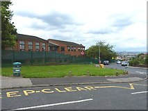 SO9689 : Tividale Hall Primary School by Richard Law