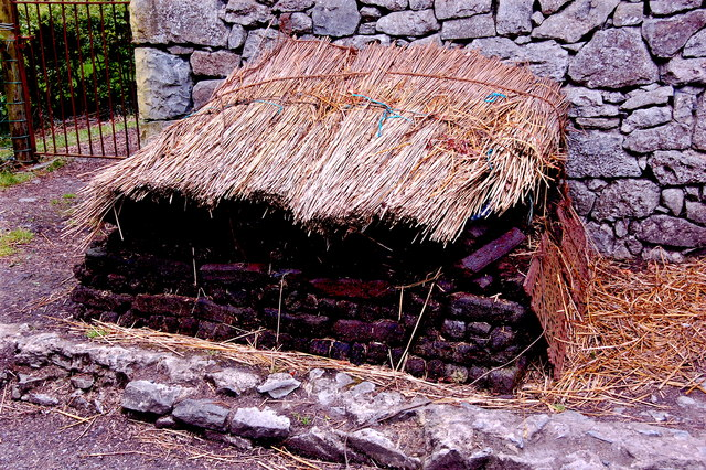 Bunratty Park - Site #22 - Byre Dwelling - Protected Peat