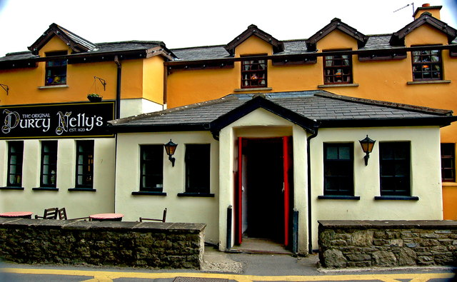 Bunratty - Durty Nelly's Pub - NW Side Entrance