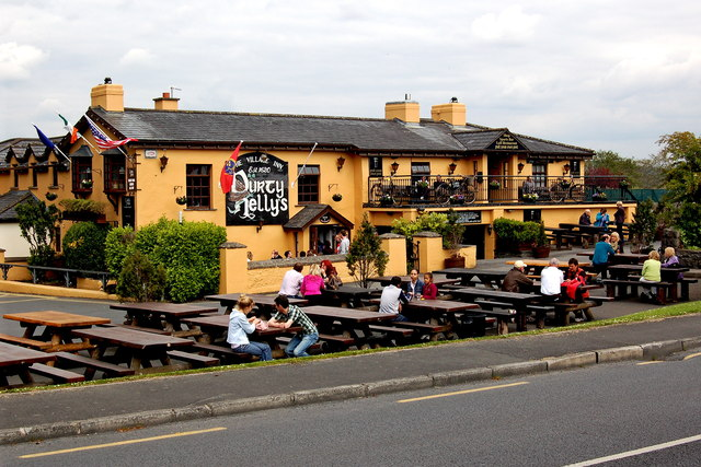 Bunratty - Durty Nelly's Pub - NW & SE Sides