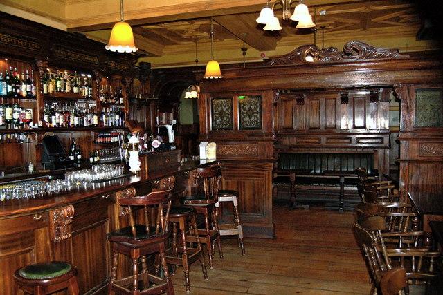 Ennis - Old Ground Hotel - Poet's Corner Pub