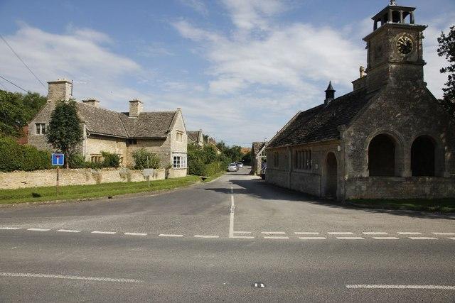Buscot Village