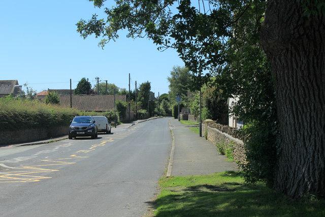 2012 : Entering Acton Turville on Littleton Drew Road