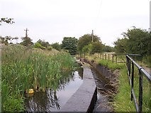 SD7909 : Spillway on the disused Manchester,Bolton and Bury Canal by Raymond Knapman