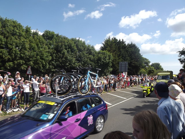 Road Race Support Vehicles