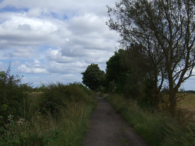 National Cycle Route 10 heading east near Dinnington