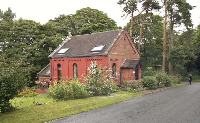 Old Primitive Methodist Chapel and school room at Gun End